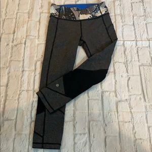 Lululemon grey cropped leggings sz 4. Like new.